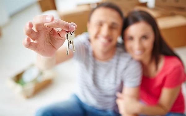 comprar-casa-promotora-pareja