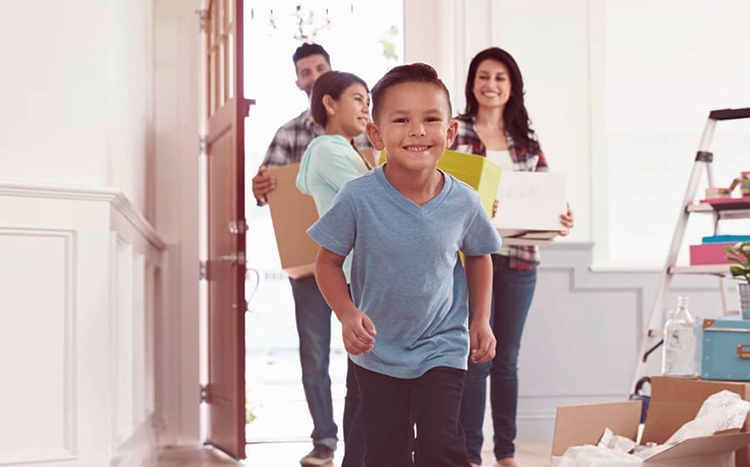 subrogacion-de-hipoteca-familia-casa-nueva